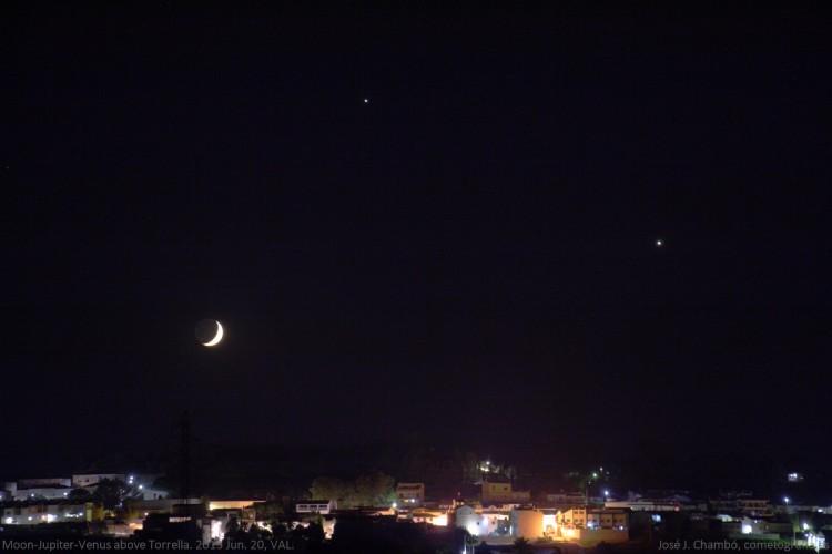 Conjunción Luna-Júpiter-Venus sobre Torrella